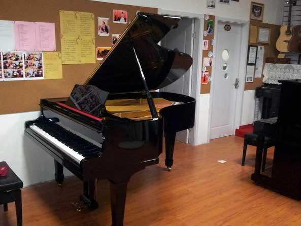 昆明长途搬运钢琴到云南省各地州县