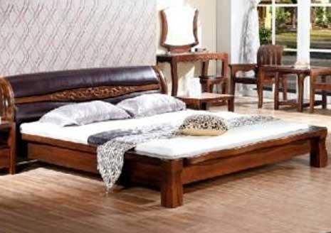 高档双人床木制版式双人床等家具的拆卸