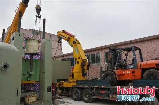 昆明搬运机械设备吊装的特点 需要注意什么
